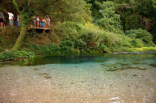 Albanija, modro oko, potovanje z avtom po Albaniji, popotniški blog