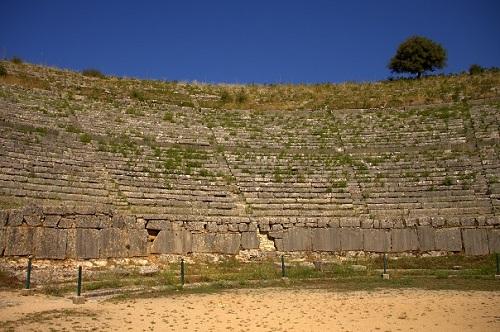 Grčija, gledališče Dodoni, potovanje po Grčiji z avtom, popotniški blog