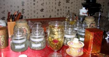 popotniske prevare, prevare za popotnike, prevare na potovanju, pitje čaja na kitajskem, Kitajska potovanje