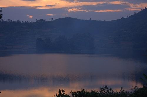 Afrika, Uganda, jezero Bunyonyi, potovanje, popotniški blog