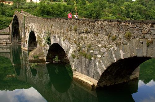 Toskana, izlet v Toskano, hudičev most, popotniški blog