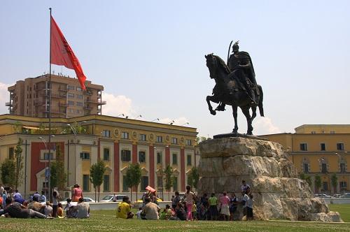 Tirana izlet, Albanija potovanje