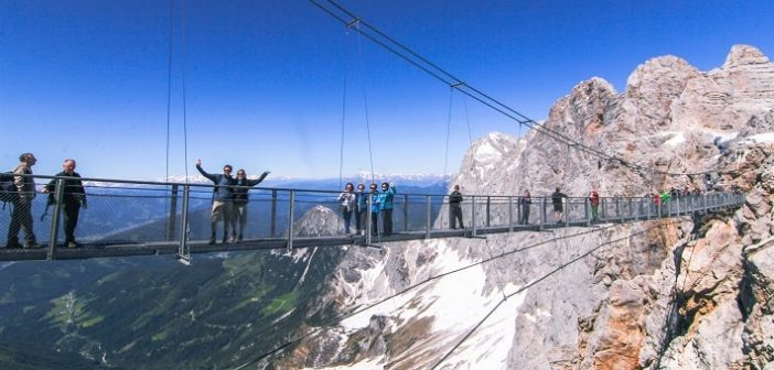 Sky Walk Dachstein, ledena palača in viseči most – pravo adrenalinsko doživetje za vse generacije