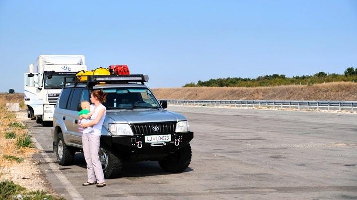 overland, potovanja z avtom, potovanja z dojenčkom