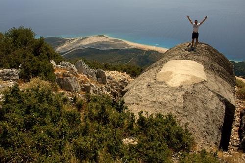 Albanija, bunkerji, plaže, potovanje po Albaniji z avtom, popotniški blog