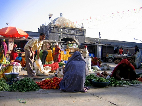 Indija, Jaipur, hindujska poroka, hinduizem, potovanje, popotniški blog, Hawa Mahal, Amber, festival zmajev, slonov, otok Diu