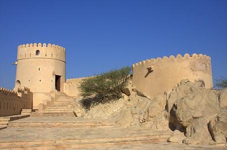 Oman, trdnjave, puščava, 4x4, potovanje, popotniški blog