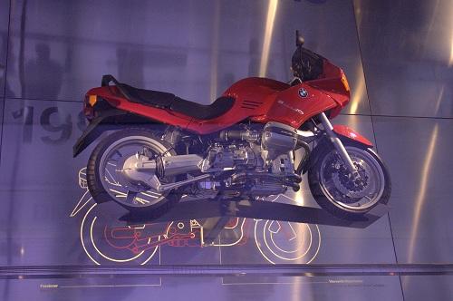 BMW svet, BMW muzej, BMW tovarna, BMW Munchen, BMW Nemčija, izlet vNemčijo, izlet v Munchen, z avtom v Munchen