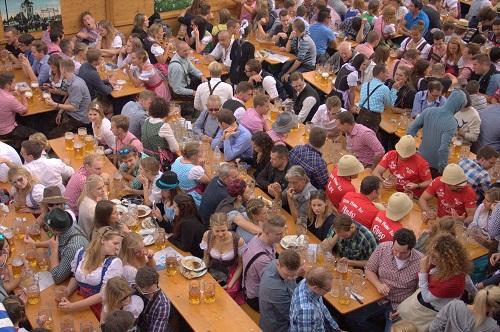 Oktoberfest, Munchen, na Oktoberfest, izlet vMunchen, z avtom v Munchen, kako na Oktoberfest, cene na Oktoberfestu, kaj je Oktoberfest
