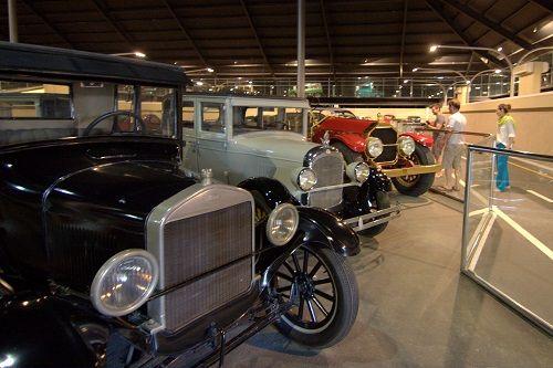 avto muzej, abu dhabi znamenitosti, arabski emirati znamenitosti, potovanje po arabskih emiratih, arabski emirati potovanje