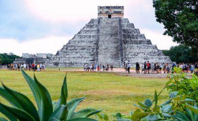 Jukatan potovanje, Jukatan z avtom, Jukatan vodič