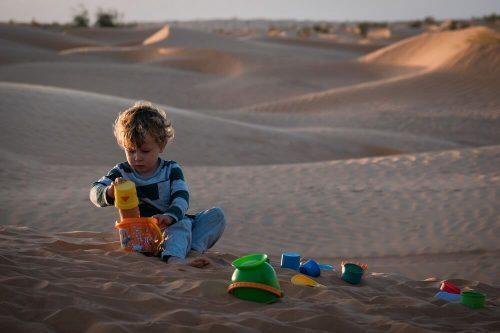 Otroška igra v naravi